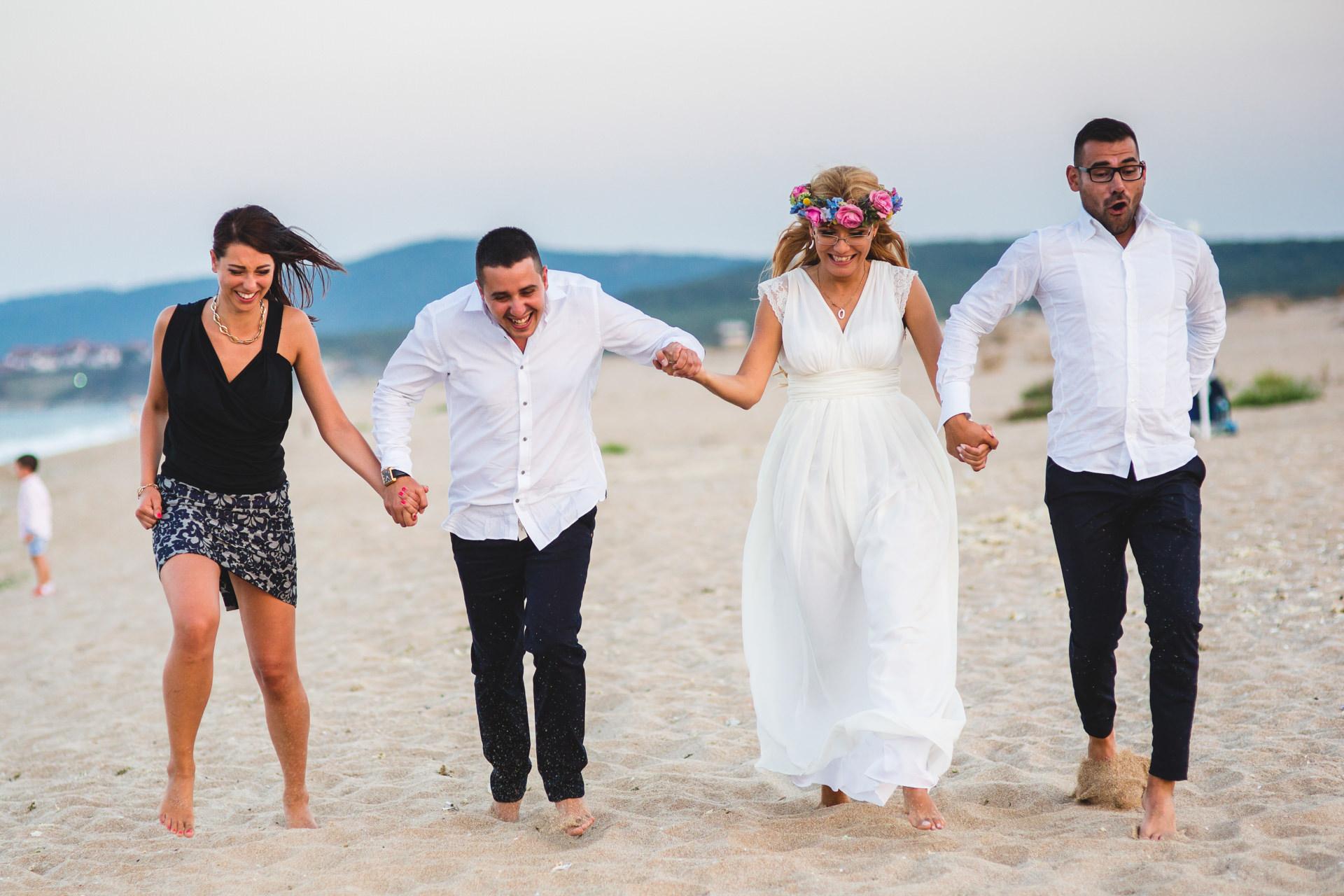 сватбена фотосесия на плажа