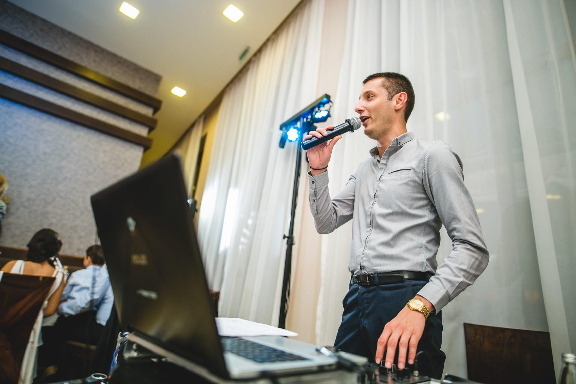 DJ Бедрос